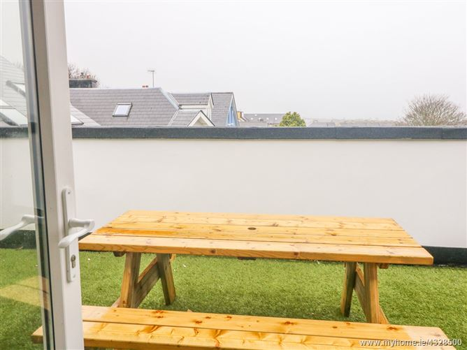 Main image for Apartment 15,Apartment 15, An Tobar, West Main Street, Caherciveen, Kerry, V23 YN44, Ireland