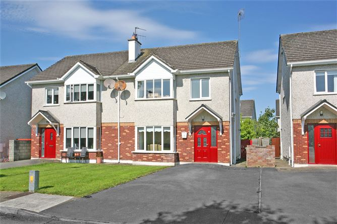 Main image for 5 Radharc na Coille,Ballycasey,Shannon,Co Clare,V14 E285