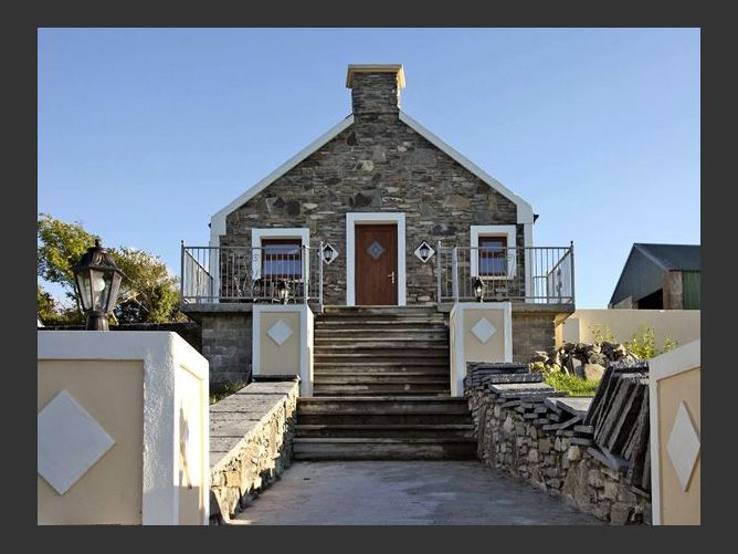 Main image for Ardgroom Cottage, EYERIES, COUNTY CORK, Rep. of Ireland