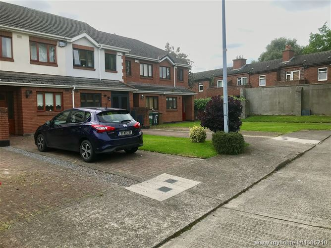 Main image for 11 Earls Court, Old Cabra Road, Cabra, Dublin 7