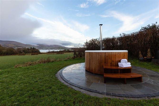 Main image for Tigh Thor ,Burnham Riding Centre, Colaiste Ide, Burnham, Dingle,  Kerry, Ireland