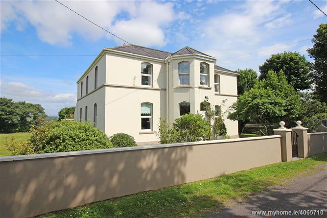 Johnstown House, Kilmichael, Macroom, Cork