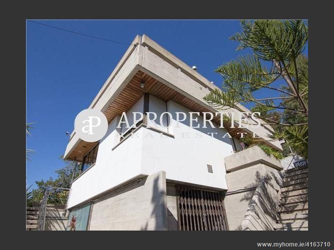 Calle, 08960, Sant Just Desvern, Spain