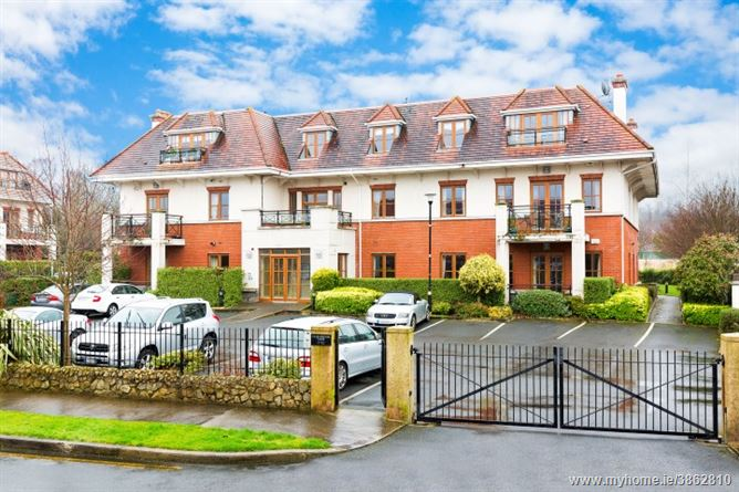 Photo of 11 Cairnbrook View, Cairnbrook, Glenamuck Road South, Carrickmines, Dublin 18