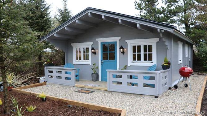 Main image for Inisean Lodge Log Cabin, Donegal