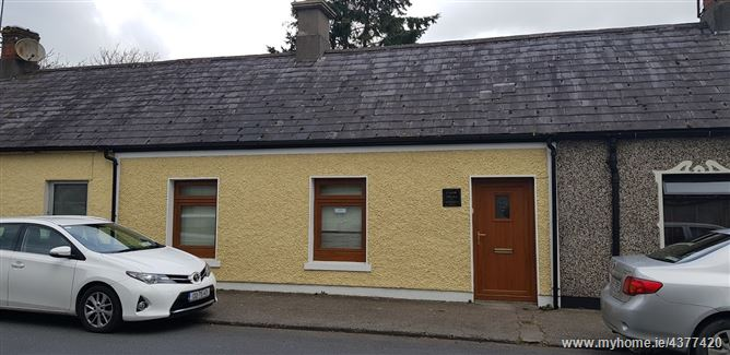 Main image for Pearse st, Cahir, Tipperary