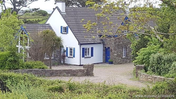 Whitethorn Lodge, Maulnaskeha, Ahakista, West Cork