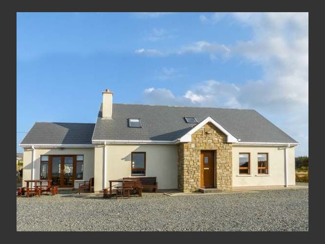Main image for Carrick Cottage, DERRYBEG, COUNTY DONEGAL, Rep. of Ireland