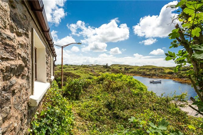 Main image for Pier Cottage,Harbour Road,Bunbeg,Co Donegal,F92 W2W6