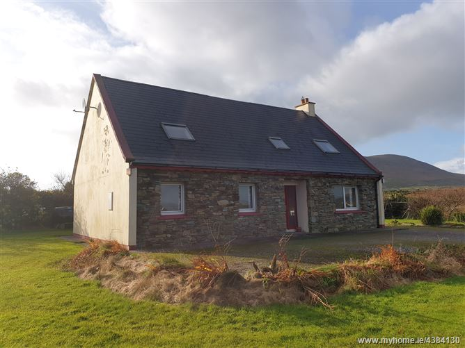 Ref 853 - Detached Bungalow, Reen, Ballinskelligs, Kerry