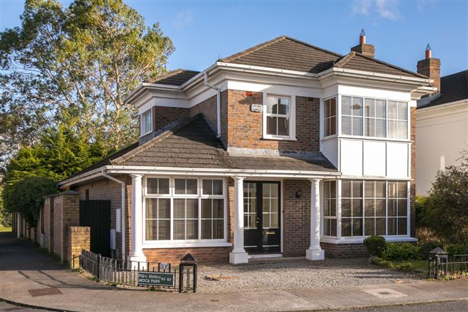 Main image for 97 Avoca Park, Blackrock, Co. Dublin