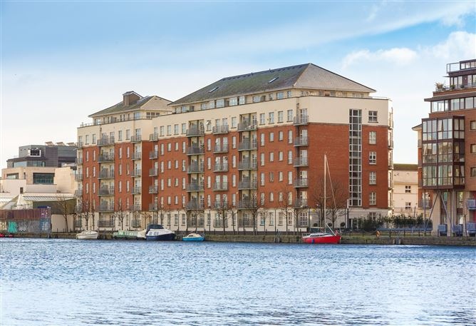 Main image for 172 The Waterside, Charlotte Quay Dock, Grand Canal Dk, Dublin 4