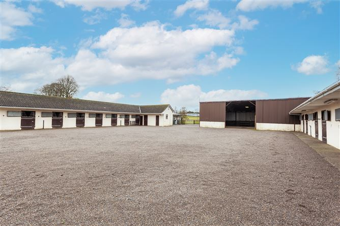 Main image for Stable yard at Ulundi Lodge , Curragh, Kildare