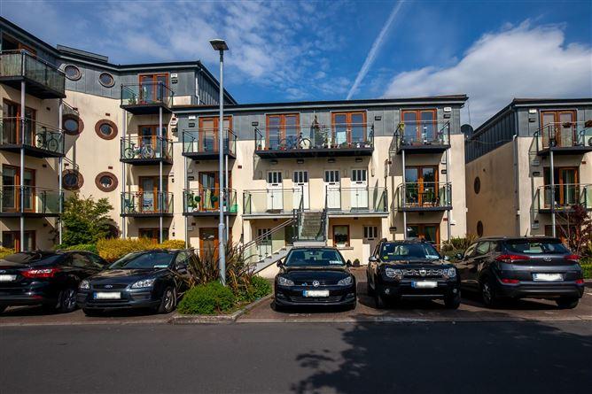 Main image for Apartment 22 Stockingwood Hall, Stocking Avenue, Rathfarnham, Dublin, D16A402
