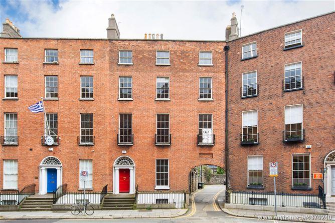 Main image for 2 Upper Pembroke Street, Dublin 2