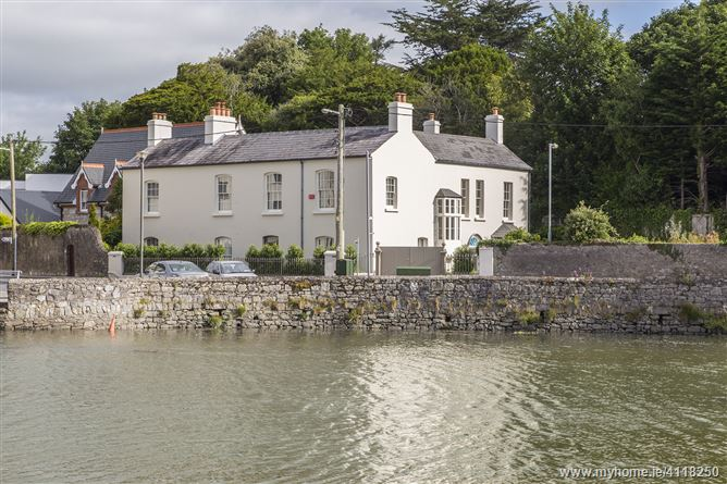Oikoseen House, Bailick, Midleton, Cork