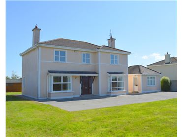 Main image of 4 Castlewoods, Piercestown, Wexford