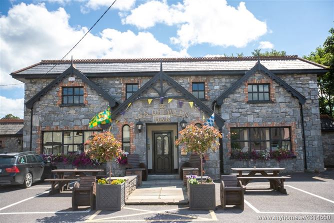 The Inn Between Bar, Beaufort, Killarney, Kerry