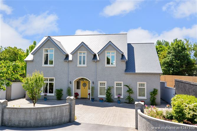 26 Lenaboy Park, Salthill, Galway