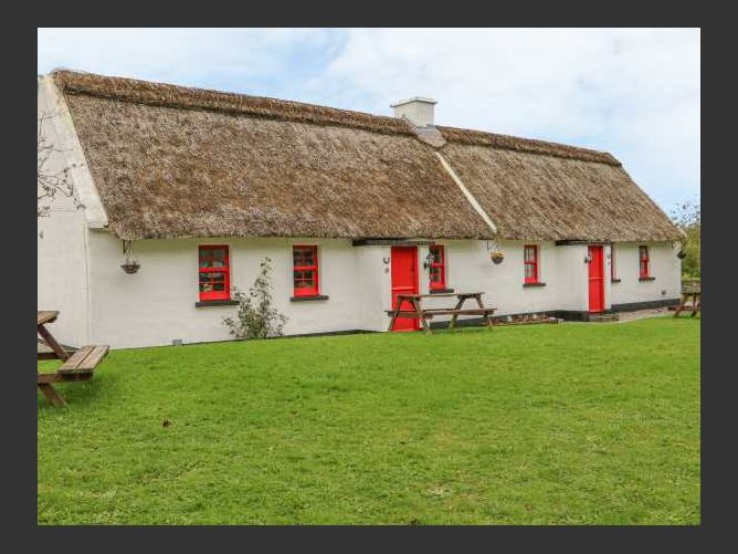 Main image for No. 10 Lough Derg Thatched Cottage, PUCKANE, COUNTY TIPPERARY, Rep. of Ireland