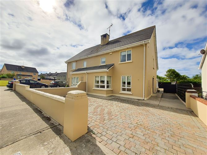 Main image for 30 Laurel Grove, Tagoat, Rosslare, Wexford