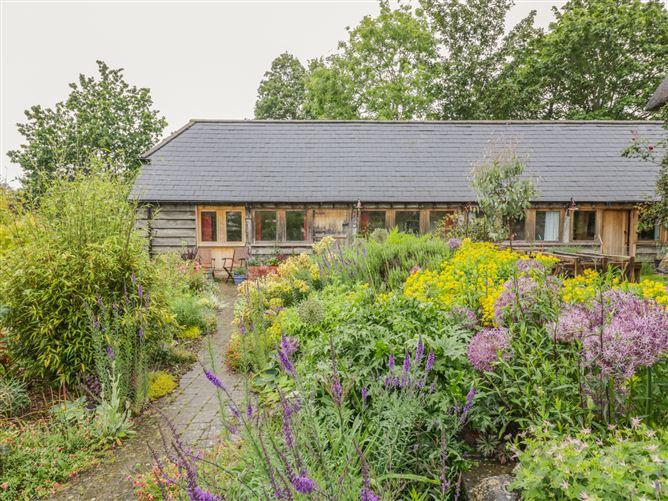 Main image for Ryepiece Cottage, ETTINGTON, United Kingdom