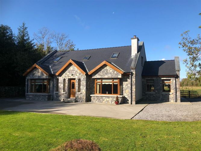 Main image for Cloonliss Lodge, Cloondarah, Mount Talbot, Co. Roscommon