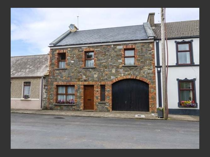 Main image for Carrigaholt Cottage, CARRIGAHOLT, COUNTY CLARE, Rep. of Ireland