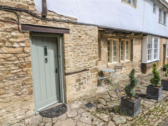 Main image for 10 George Yard, BURFORD, Unknown country