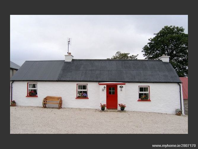 Sarahs Traditional Cottage, Donegal