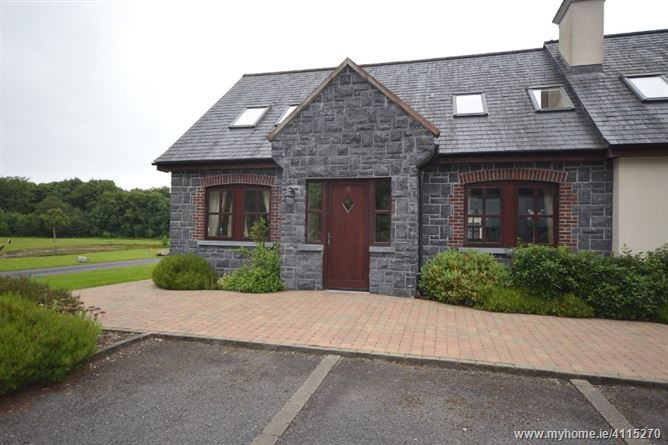 10 The Lakeside, Mount Falcon, Ballina, Co Mayo