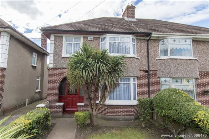 453 Collins Avenue, Whitehall,   Dublin 9
