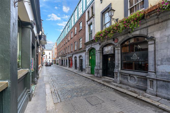 Main image for 18 Sprangers Yard, Crow Street, Temple Bar, Dublin 2