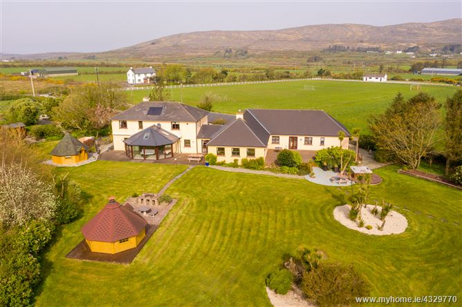 Corthna Lodge, Corthna, Schull,   West Cork
