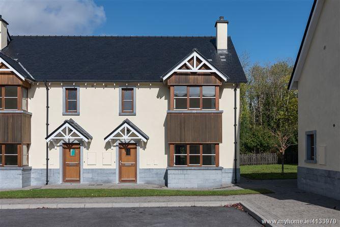 Property image of 29 O'Carolan's Court, Ballyfarnon, Roscommon