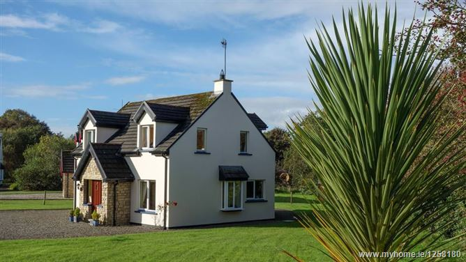 Main image for No 8 Woodbrook - Rathmullan, Donegal