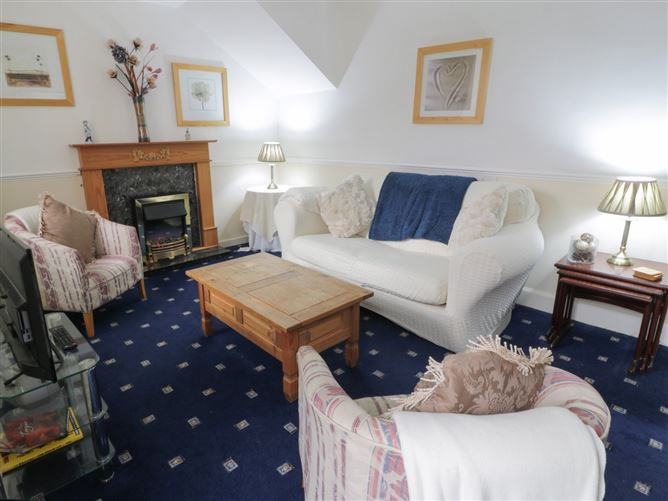 Main image for Turret Cottage,Cockenzie And Port Seton, Edinburgh and the Lothians, Scotland