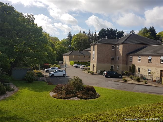 7 Woodville, Rochestown, Cork