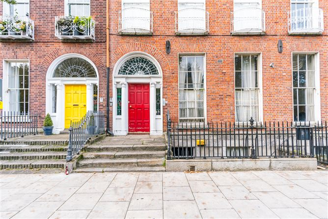 Main image for Flat 1, 6 Mountjoy Square, North City Centre, Dublin 1
