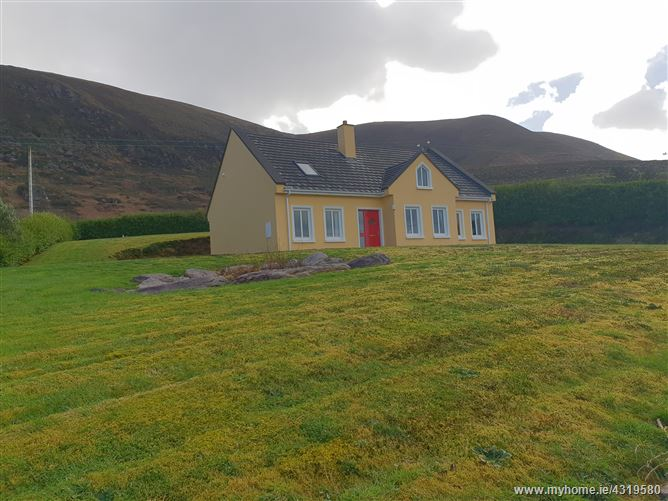 Main image for Ref 816 - Substantial Bungalow, Kells, Caherciveen, Kerry