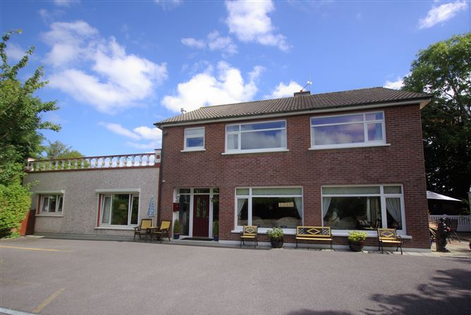 Main image for Whitethorn Lodge, Schull Road, Skibbereen,   West Cork