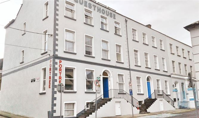 Waterford - City Hall and Theatre Royal - The Green Guide