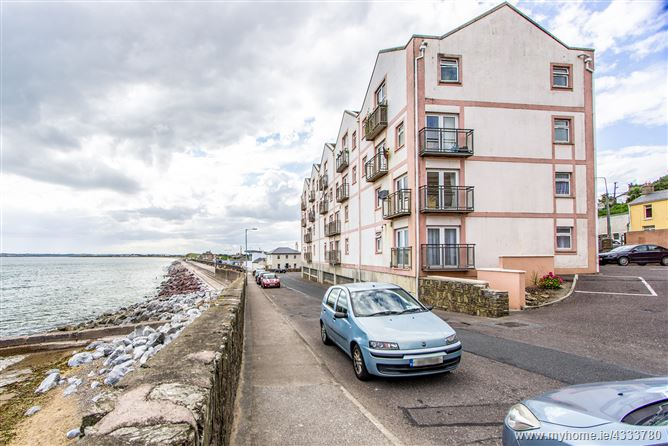 Main image for No. 54 Strand Palace, Youghal, Cork