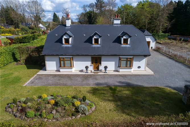 Main image for Coolvin Lodge, Barrymore, Athlone, Co. Roscommon, N37 HP80