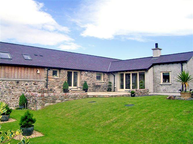 Main image for Cosy Barn, LLANGAFFO, Wales