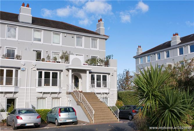 26 Salthill, Monkstown, Co. Dublin