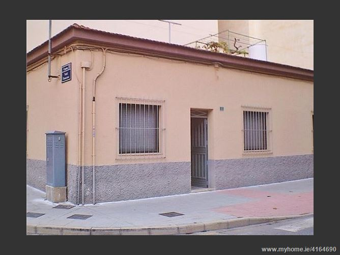 Calle, 03110, Mutxamel, Spain