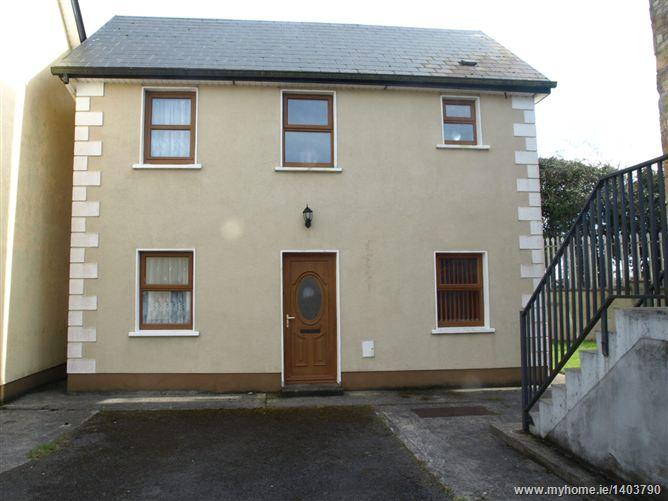 6 Wallace Court , Ballinlough, Co. Roscommon
