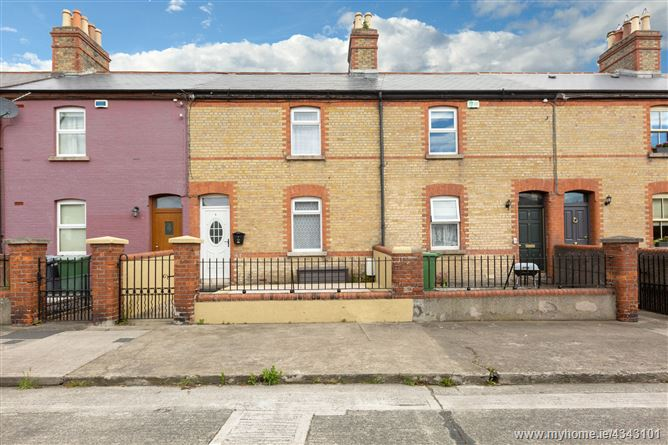 Main image for 6 St Clare's Terrace, Mount Drummond Avenue, Harold's Cross, Dublin 6