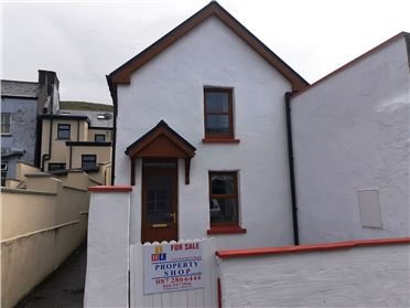 Photo of Ref 827 - Town House, Courthouse Lane, Caherciveen, Kerry